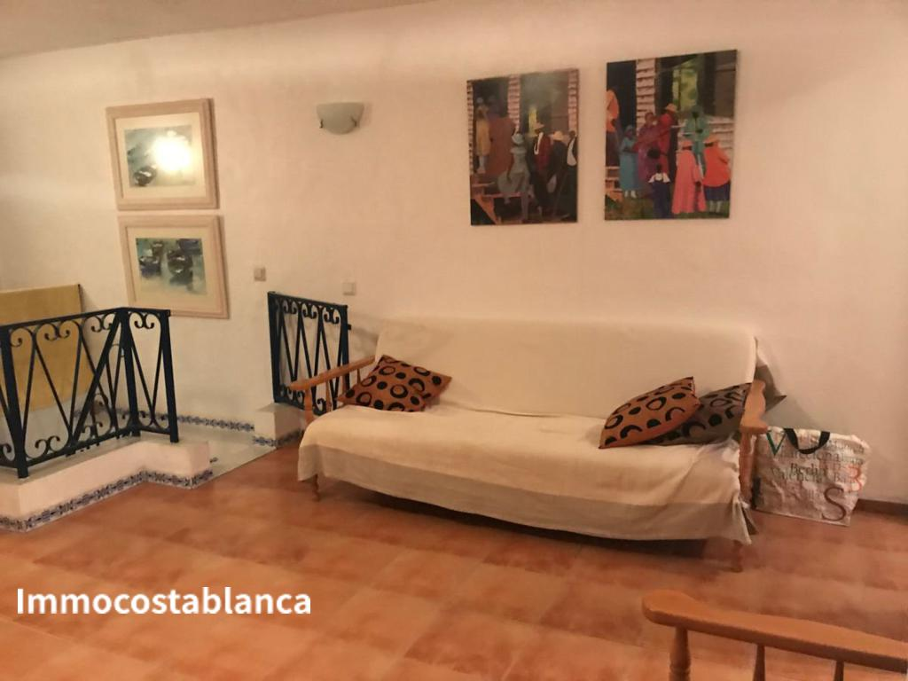 Detached house in Torrevieja, 170,000 €, photo 3, listing 7057448