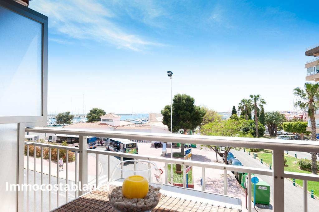 Apartment in Torrevieja, 220,000 €, photo 1, listing 5641448
