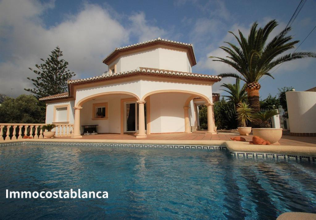 Detached house in Denia, 540,000 €, photo 1, listing 6151848