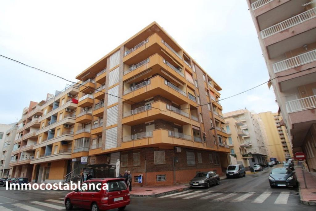 Apartment in Torrevieja, 106,000 €, photo 1, listing 2853448