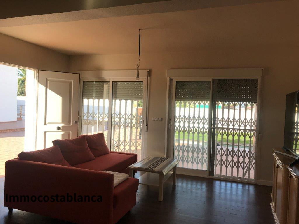 Apartment in Torrevieja, 465,000 €, photo 2, listing 358968