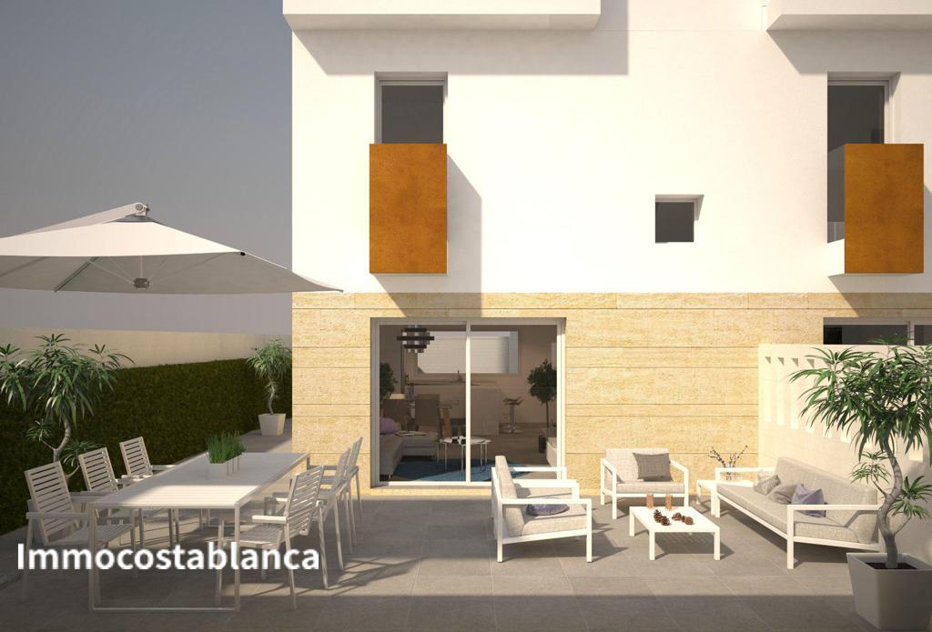 Terraced house in Torrevieja, 215,000 €, photo 5, listing 10762248