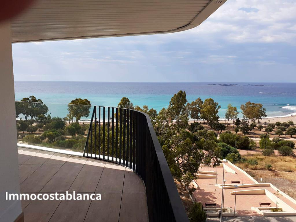 Apartment in Villajoyosa, 550,000 €, photo 1, listing 886248