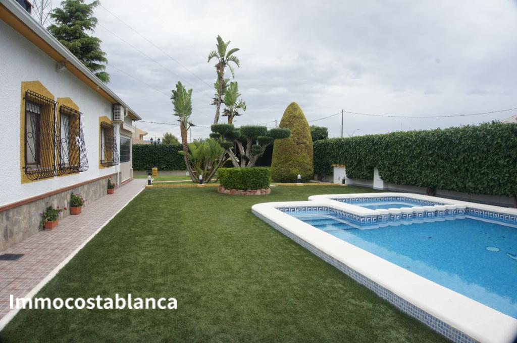 Detached house in Orihuela, 250,000 €, photo 3, listing 11182248