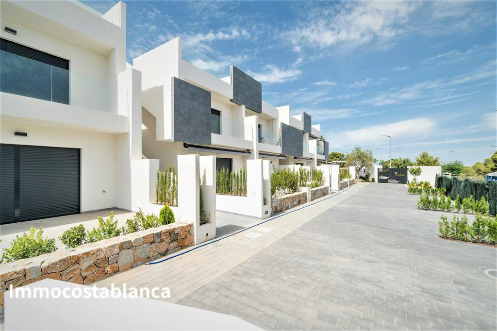 Apartment in Torrevieja, 185,000 €, photo 1, listing 9147048